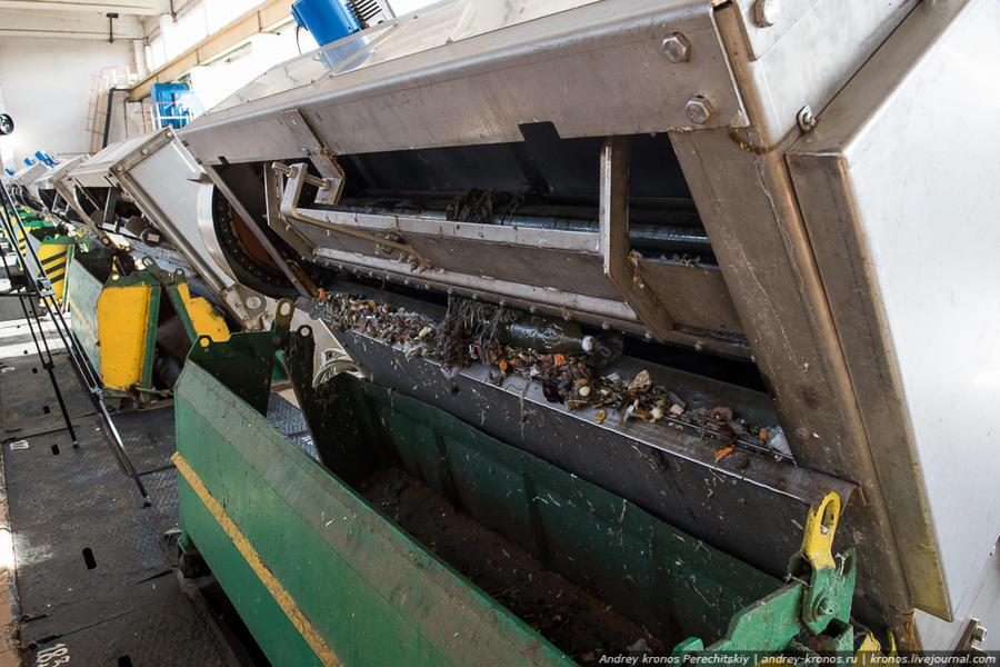 3. Первым делом производится механическая очистка. Сорозадерживающая решетка (как и следует из её на