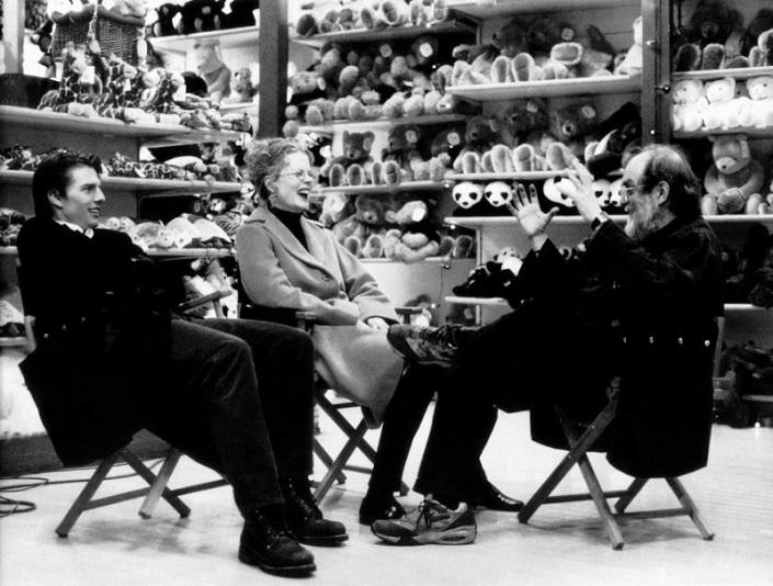 «С широко закрытыми глазами» — последний фильм Кубрика, который вышел на экраны в 1999 году, через н