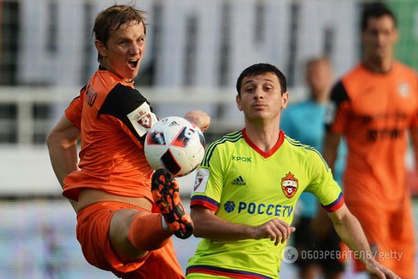 Переводчик Павлюченко вспотел наодной из занятий больше футболиста