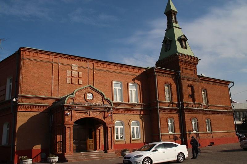 Помощникам депутатов горсовета оплачивали прогулы: летали заграницу ивСочи