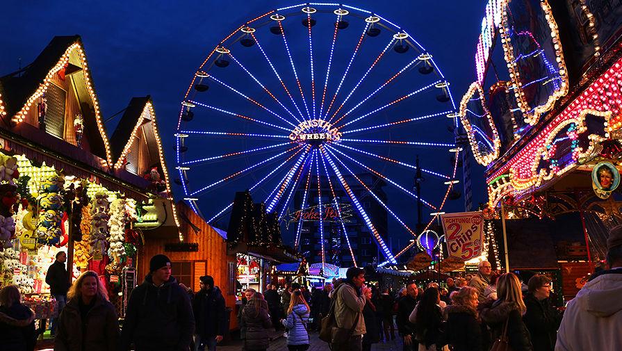 Рождественская ярмарка в городе Росток, Германия
