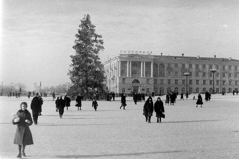 Елка в Белгороде 1960 Фото Д.Криволапова