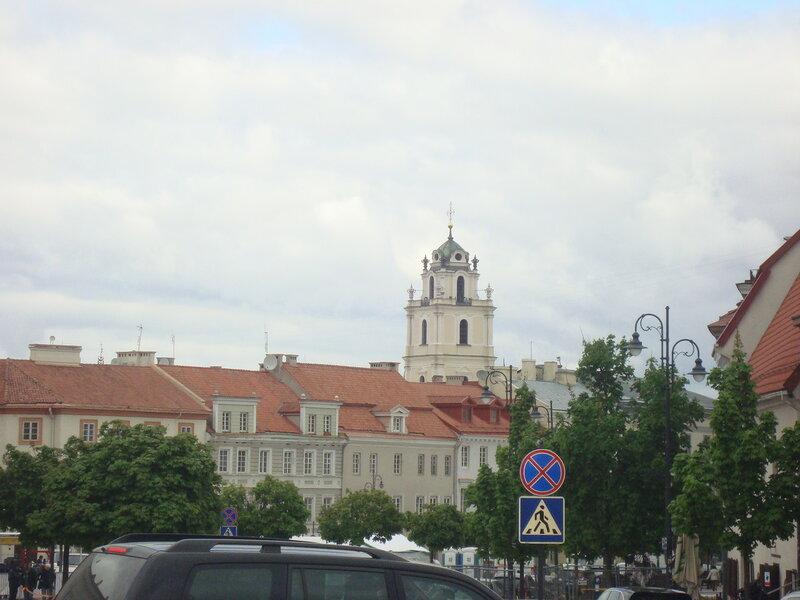 Вильнюс. Колокольня костёла святых Иоаннов