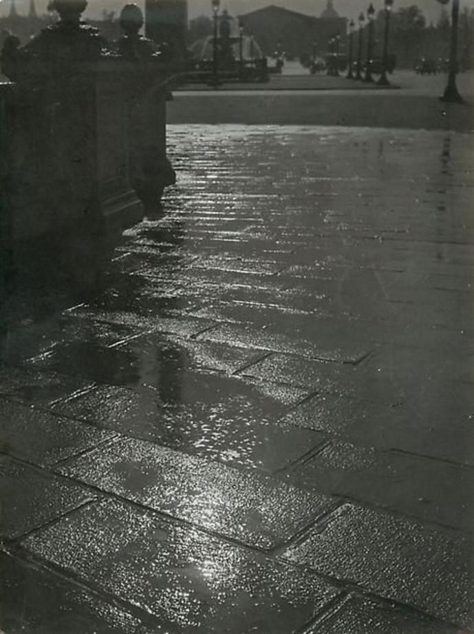 1930-е. Дорожное покрытие на площади Согласия