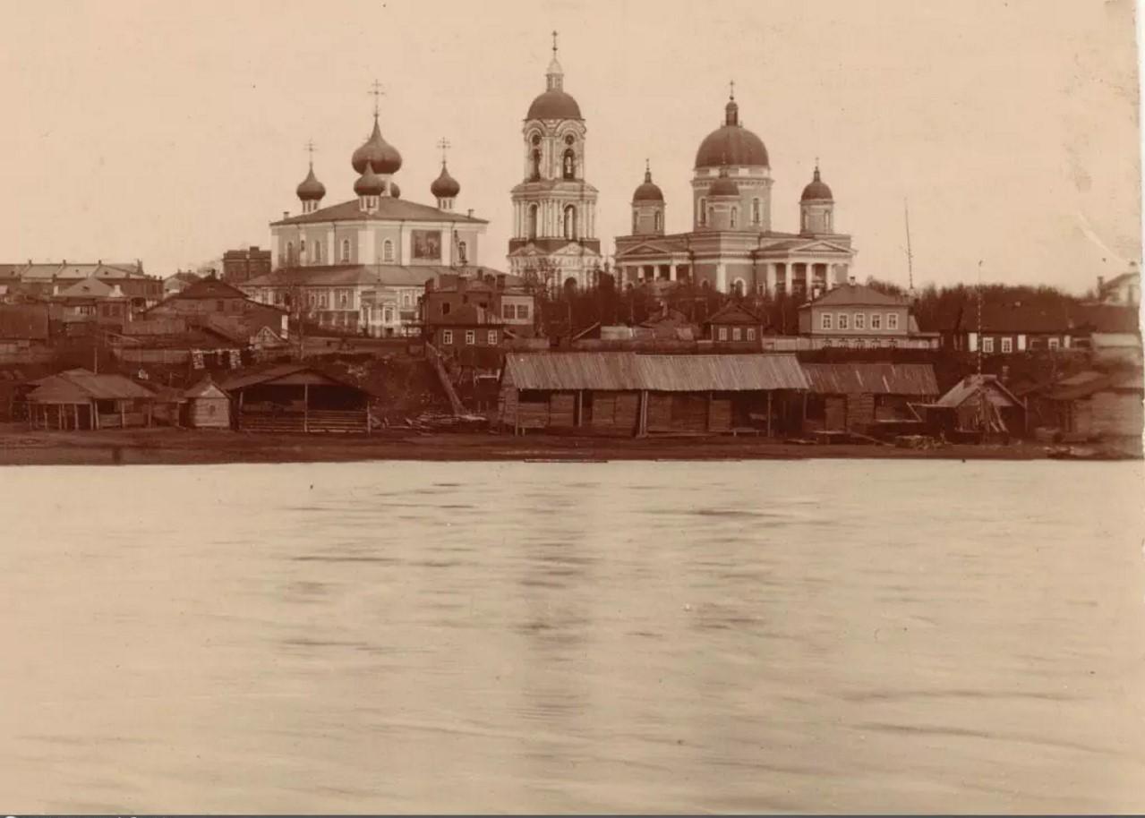Вид на Введенский и Троицкий соборы