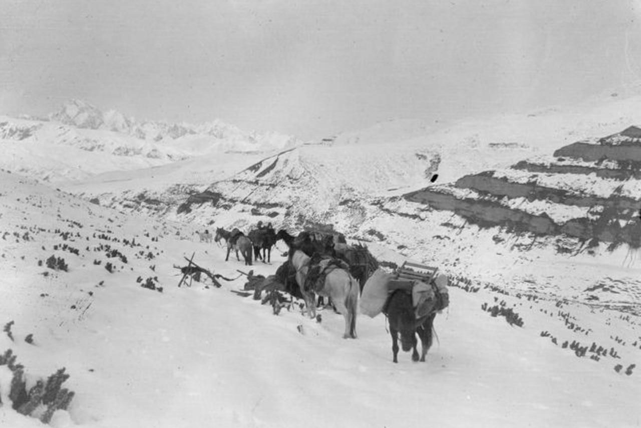 Караван в горах Карагай-Таш