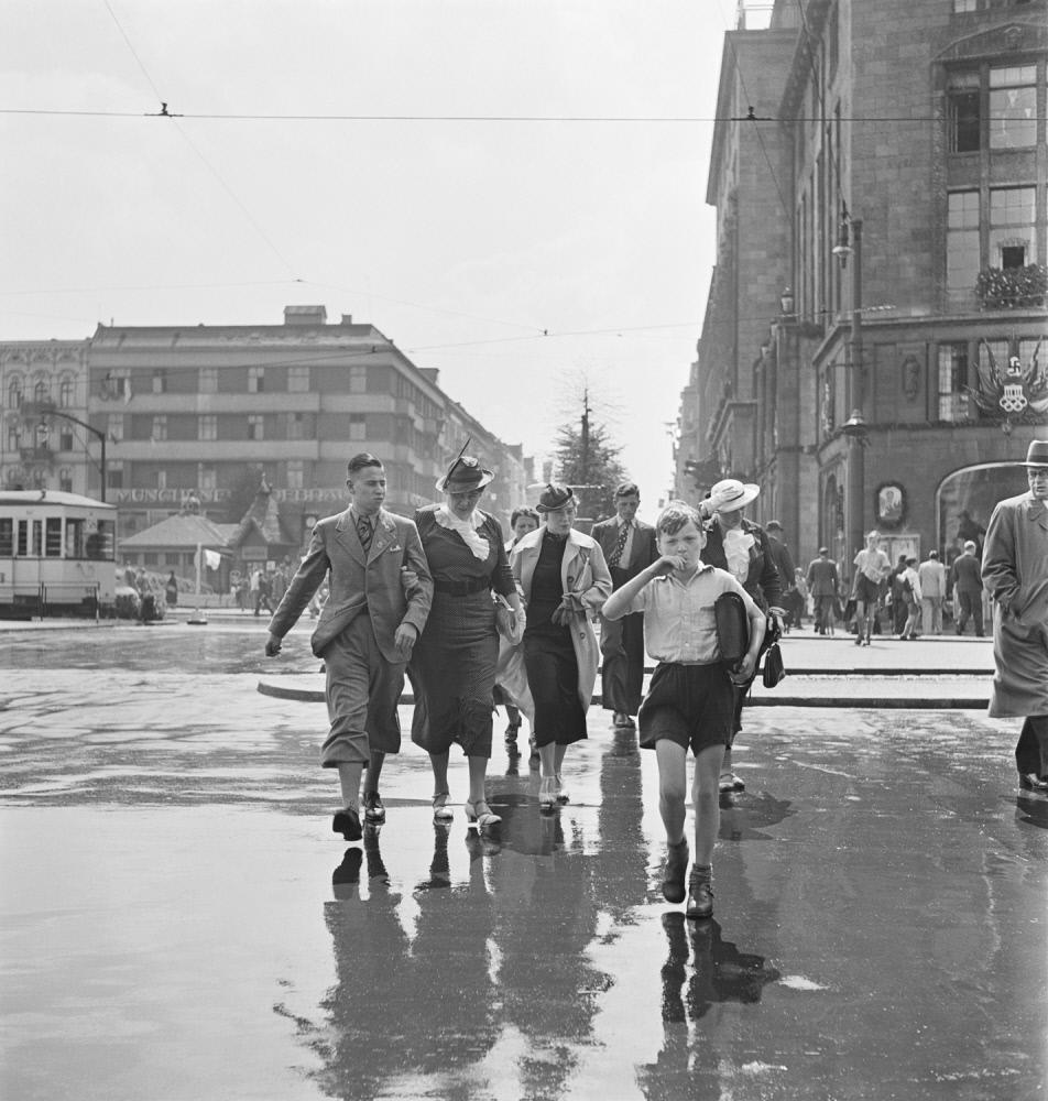 1936. Во время летних Олимпийских игр, Виттенбергплац, Берлин
