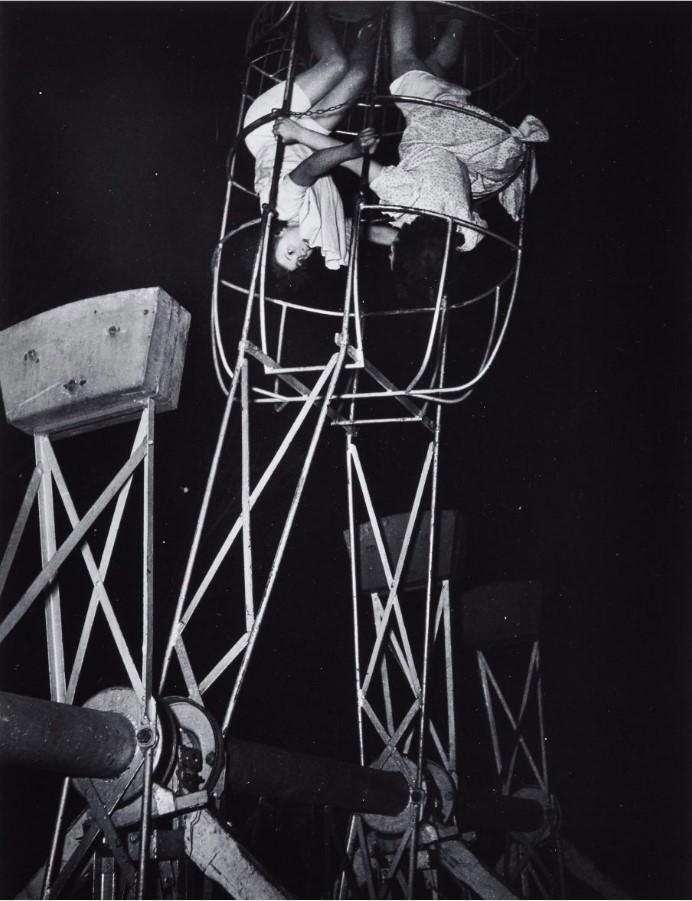 1947. Ярмарочные аттракционы. Париж