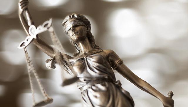 Петербургский суд признал незаконной памятную доску Колчаку