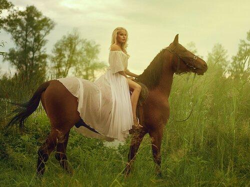 Девушки и Лошади. 18+