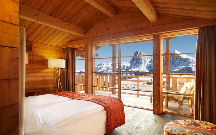 Уникальные пейзажи Доломитовых Альп, уютные горные отели, разнообразные трассы для катания на лы