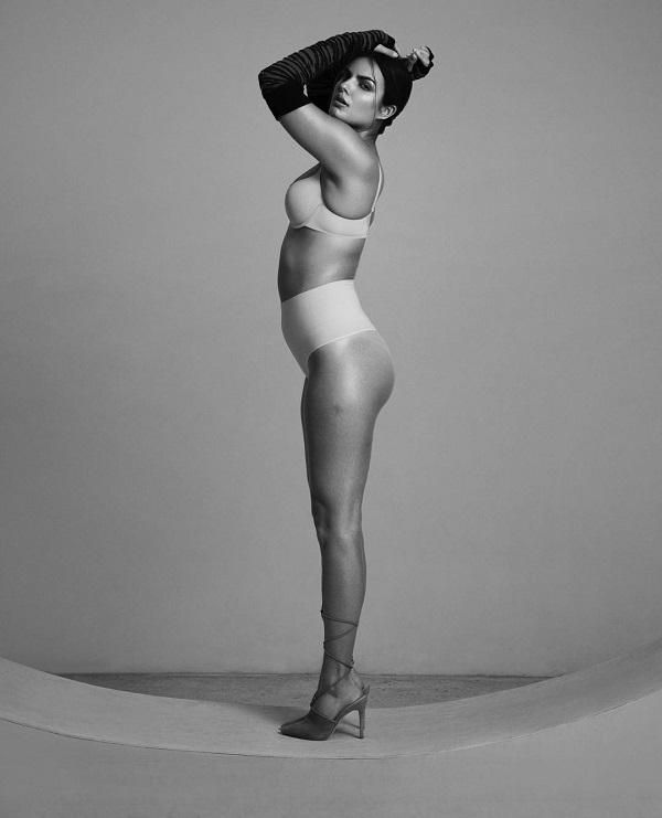 «Я очень горжусь своими формами и не боюсь показывать их! Я знаю, кто я, и принимаю свое тело». Шайм