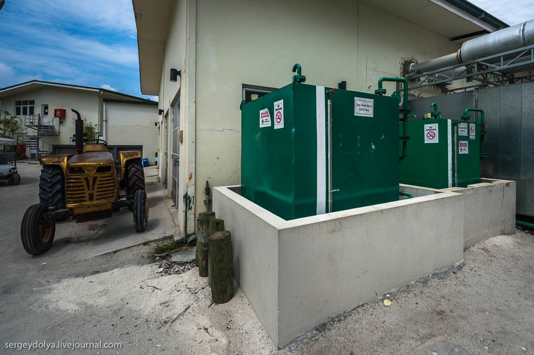 Комната управления генераторами: