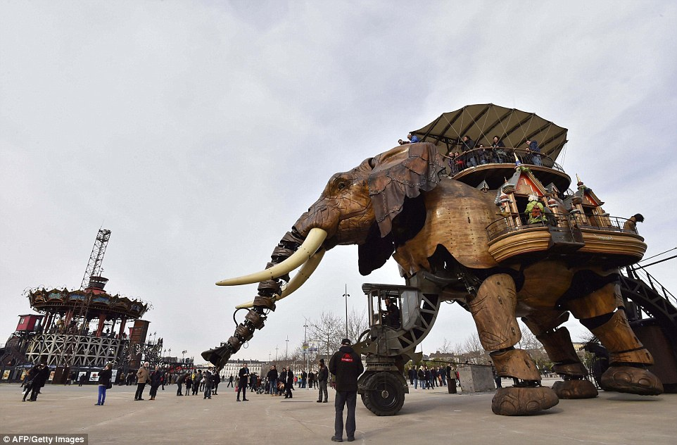Один из обитателей тематического парка «Машины острова Нант».
