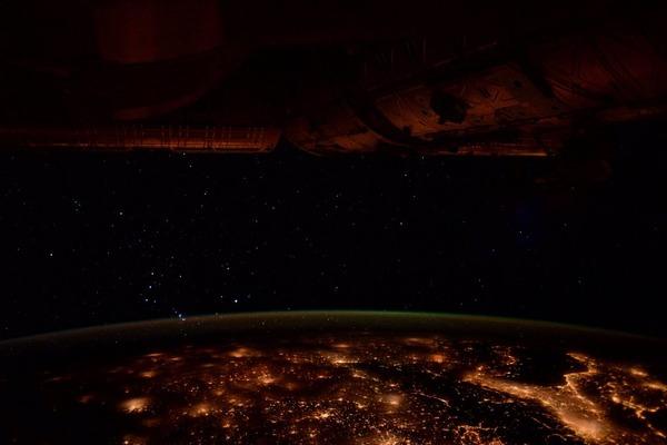 Трое космонавтов вернулись наЗемлю накорабле новейшей серии «СоюзМС»