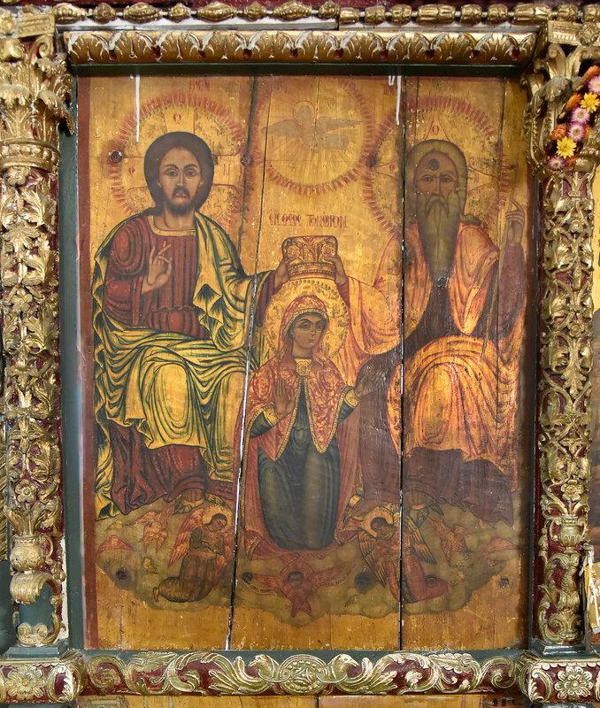 Церковь Дмитрия Солунского в Тсермиадо, старинные иконы