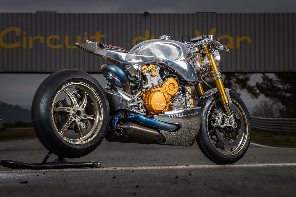 Ortolani Customs: нео кафе рейсер Ducati 1199 Panigale S