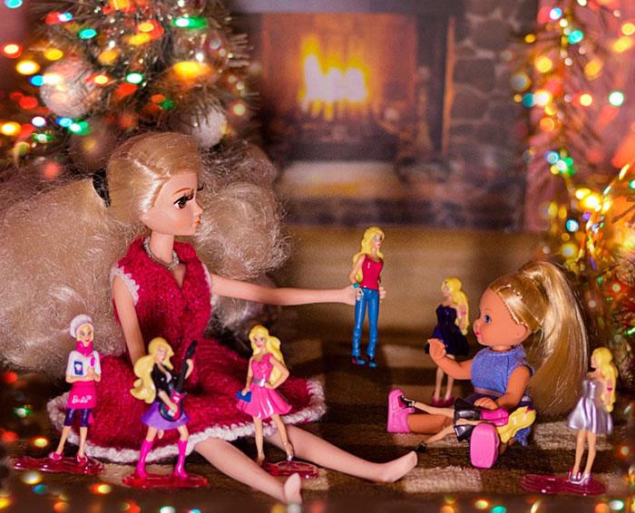 Куклы играют в куклы