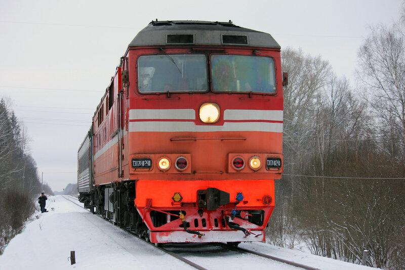 ТЭП70-0240 с пригородным поездом 6447 Торжок - Ржев-Балт на перегоне Льняная - Высокое