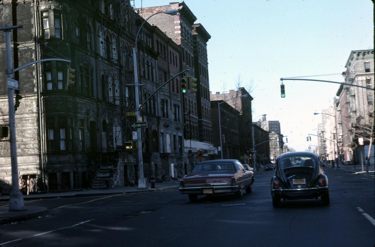 Нью-Йорк. 127-стрит и Мэдисон-авеню