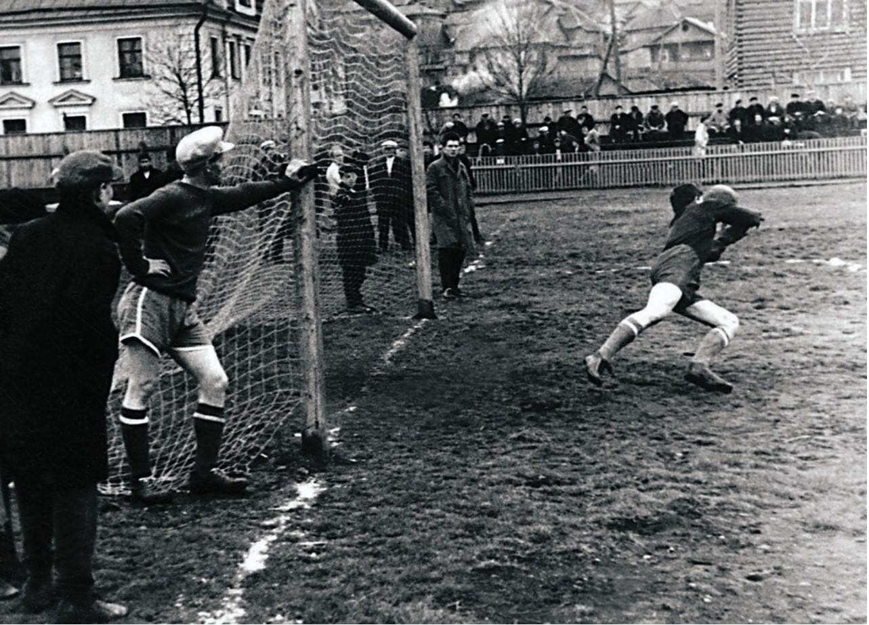 Сатка. Футбольный матч (1959)