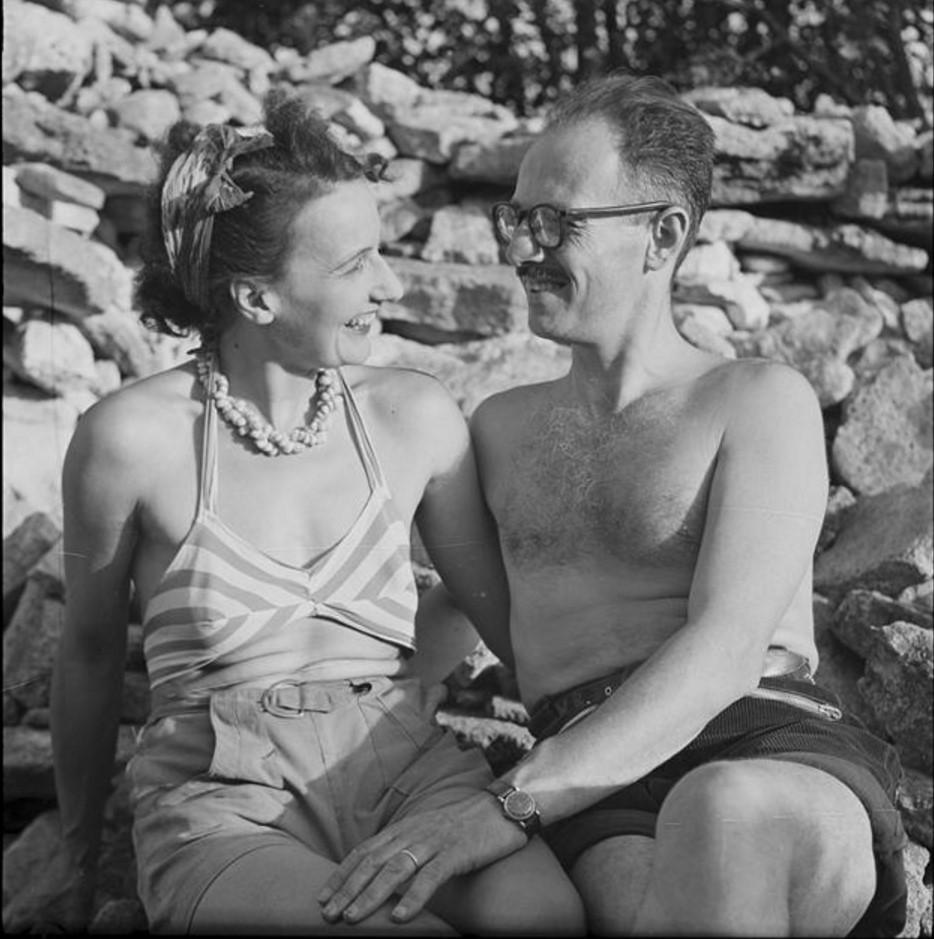1950. Автопортрет с женой