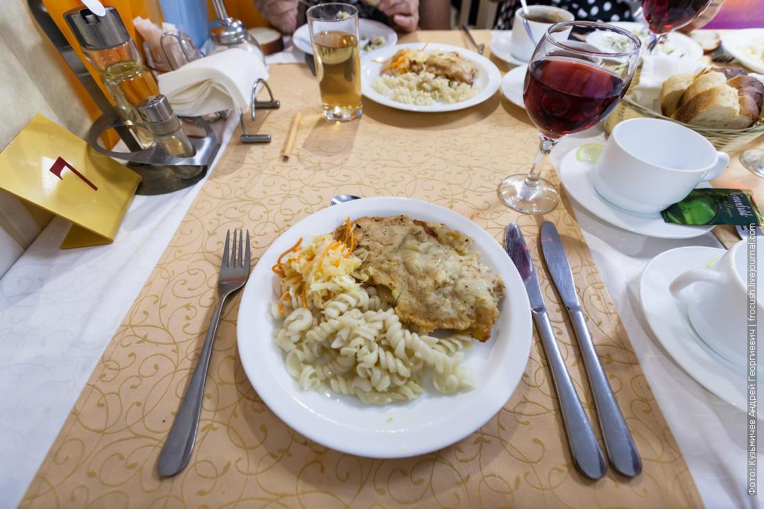 еда в ресторане теплохода Русь Великая