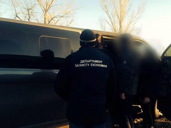 Прокурор задержан на Херсонщине на взятке в 35 тыс. грн, - Троян. ФОТО