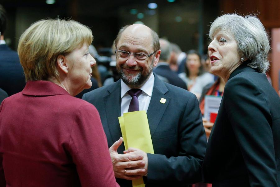 Шульц, Меркель и Мэй.png