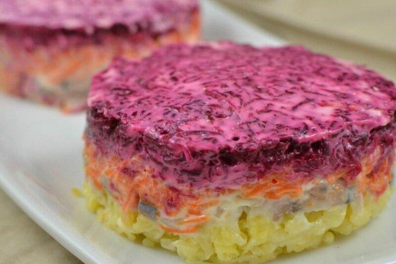 Грибы под шубой! Очень простой, но вкусный и красивый праздничный салат