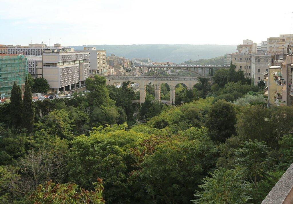 Ragusa. View from the Pennavaria bridge (Ponte Pennavaria)