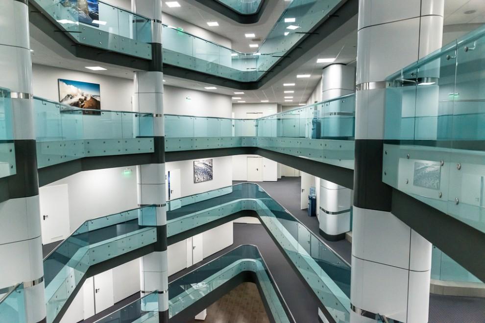 Заканчивая репортаж о Югре, нельзя не упомянуть и об офисном здании «Газпромнефть-Хантос», которое н