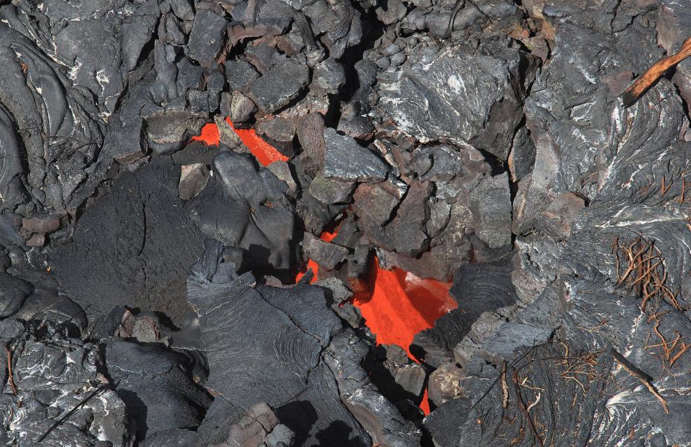 Идея 2: залить водой. В 1973 году на исландском острове Хеймаэй в течение нескольких месяцев по