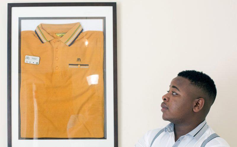 По словам Роберта, учеба, работа в «Макдоналдсе», работа ассистентом и трейдинг на дому отнимали у н