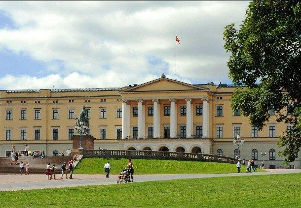 18. Королевский дворец, Норвегия В городе Аскер расположен Королевский дворец, служащий официальной