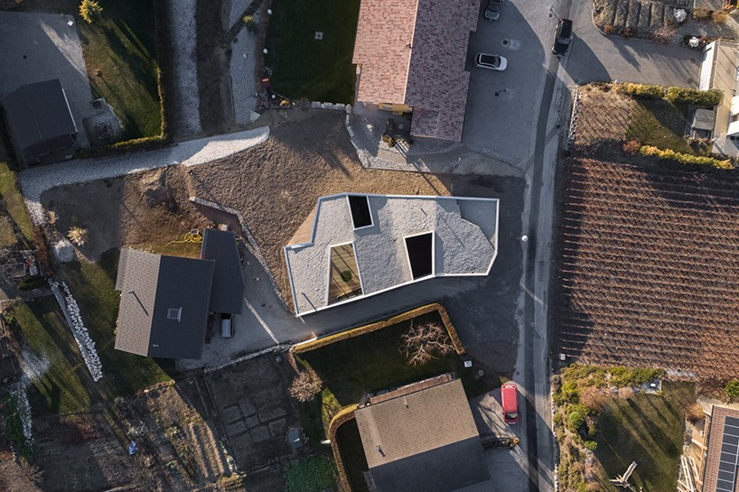 Официальный сайт: anakoarchitecture.ch