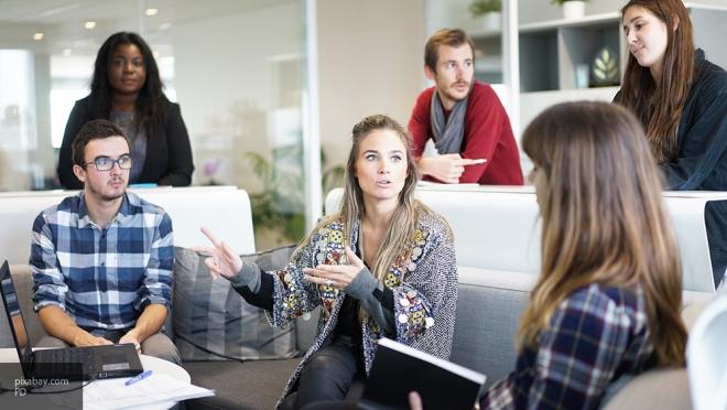 Ученые: Человек неможет вести 4 разговора одновременно