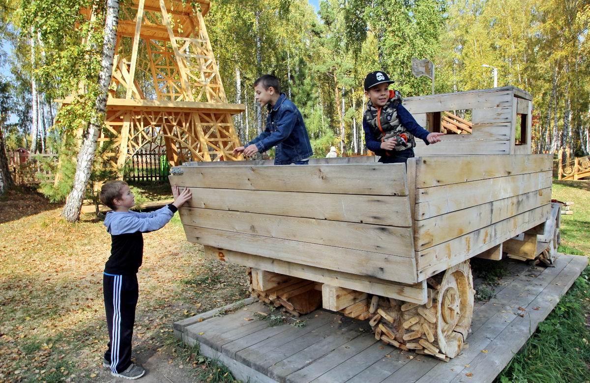 Заводи, поехали!: Деревянный грузовичок из прекрасного детства