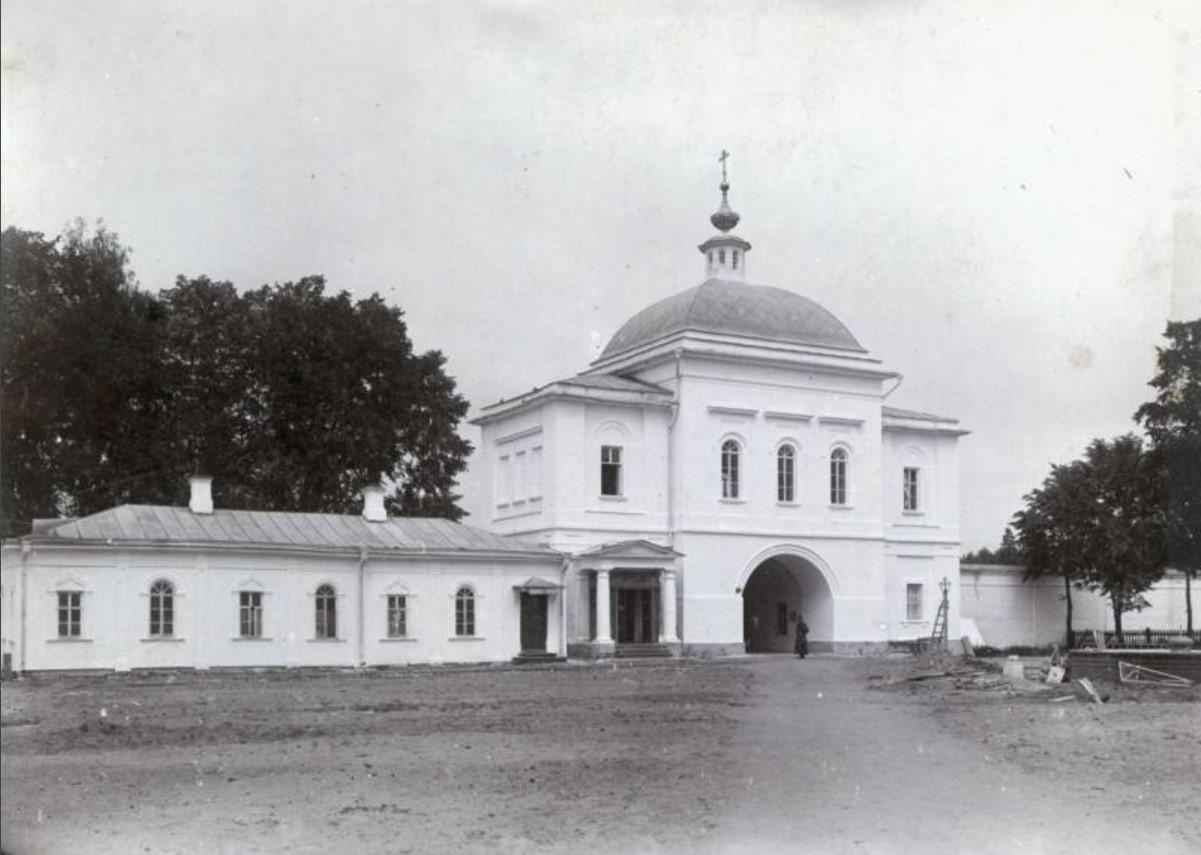 Берлюковская пустынь. Церковь во имя святителя Василия Великого