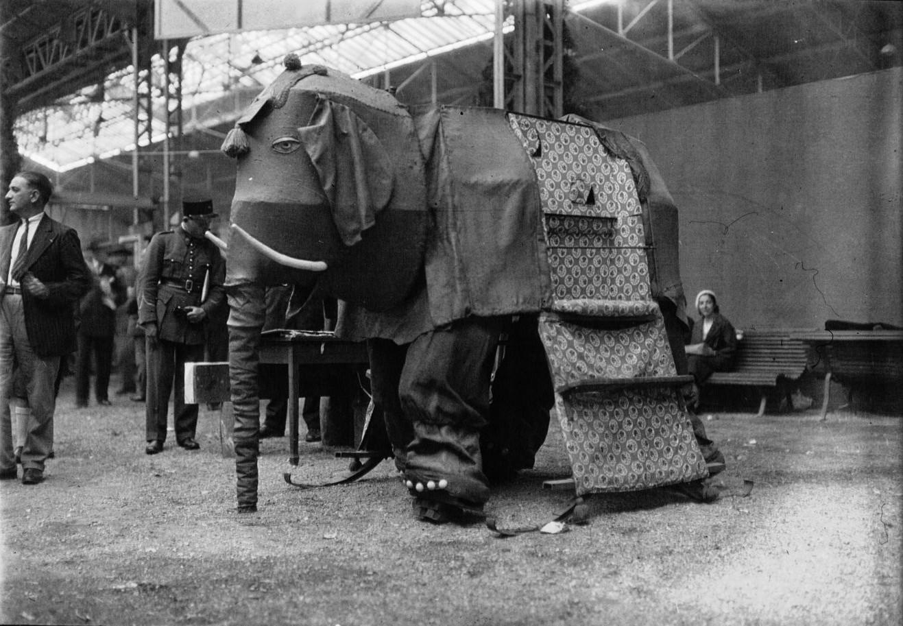 Механический слон на ежегодном «Конкурсе Лепин»