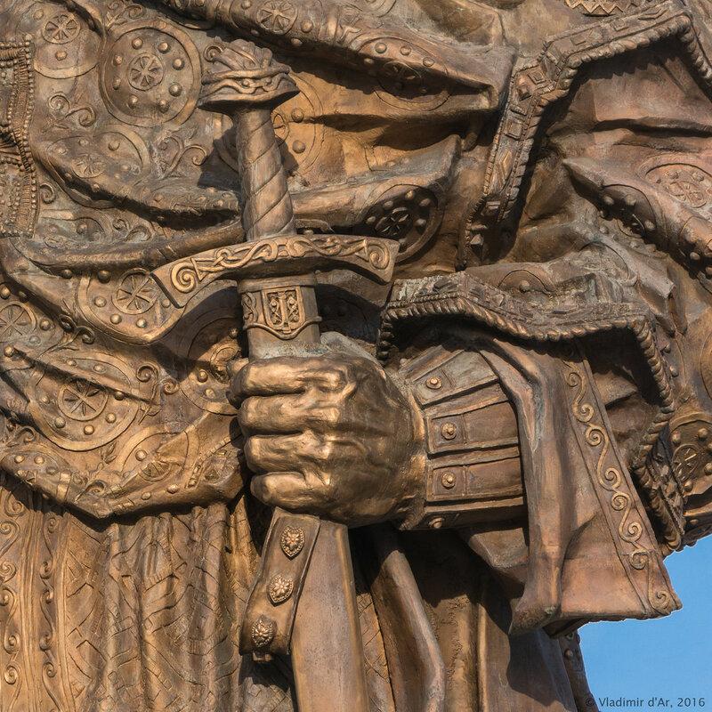 Памятник князю Владимиру на Боровицкой площади