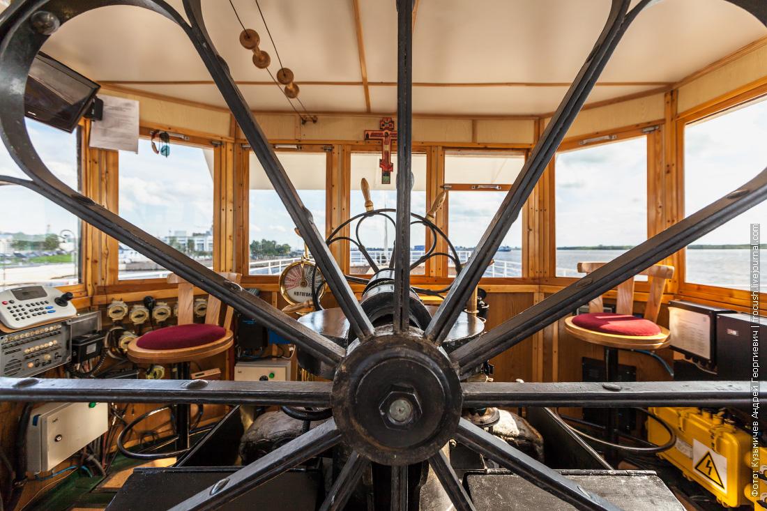 пароход Гоголь фотография паровая рулевая машина