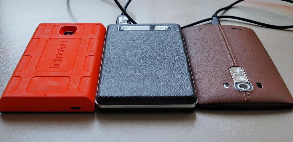Самый красивый баттл смартфонов: российский флагман vs корейский PB051618.JPG