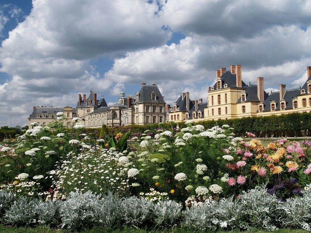 Fontainebleau France 1.jpg