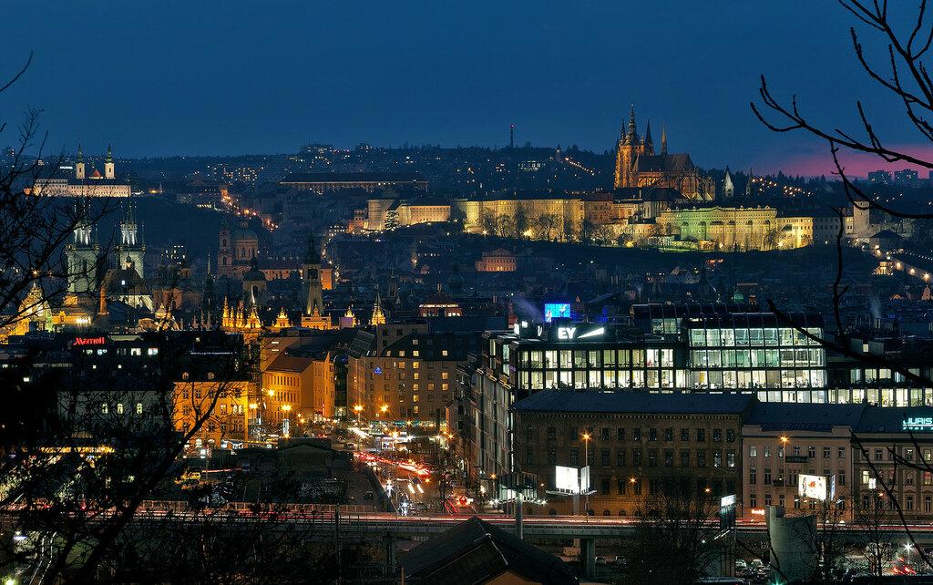Вид на Прагу с Жижковского холма.
