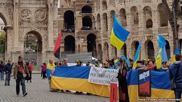 "В Риме прошла акция протеста ""Stop putin's War in Ukraine"" (фоторепортаж)"
