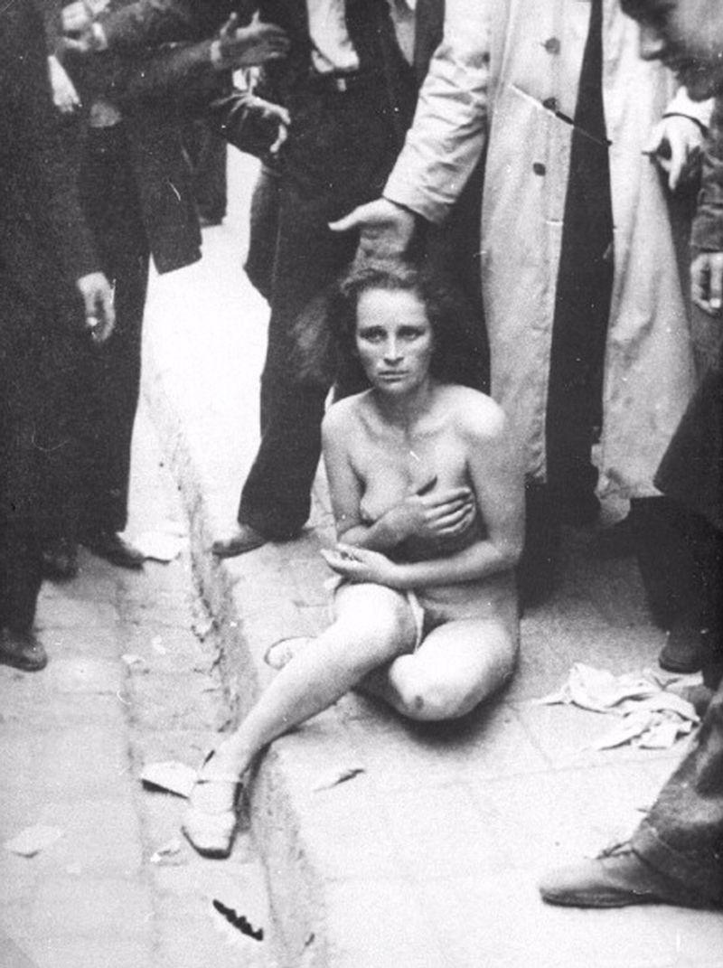 порно фото унижение женщин № 862794 бесплатно