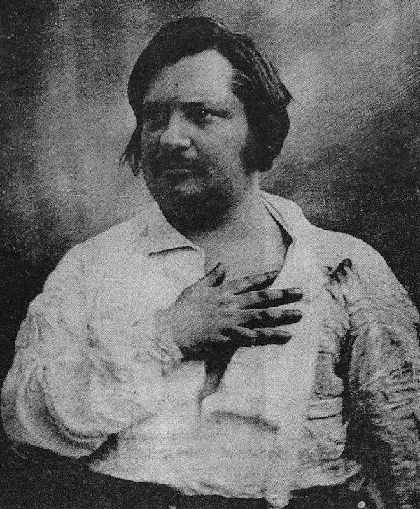 23. Оноре де Бальзак обожал кофе — за день выпивал около 50 чашек крепкого турецкого. Есл
