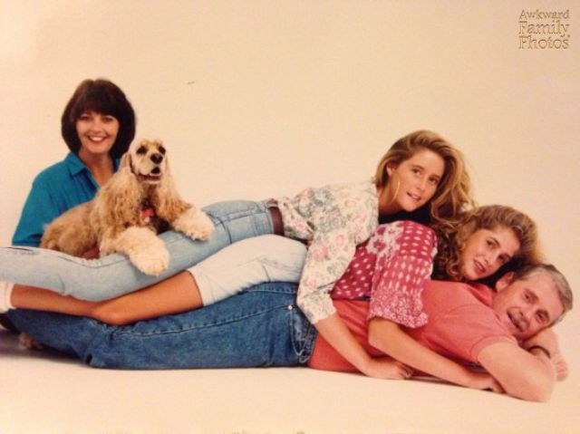 Очень странные семейные фото с домашними питомцами
