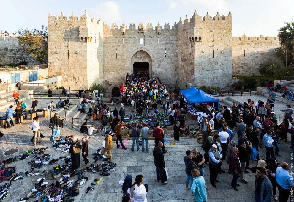 Это уже Палестина, к большому сожалению вместо нее я отправился в район Мертвого моря, где в да